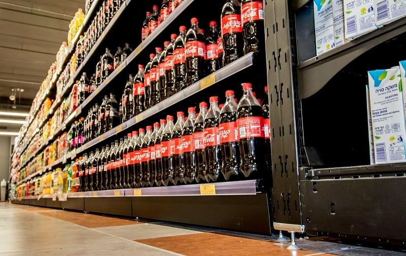 מדפים לשתיה לסופרמרקט
