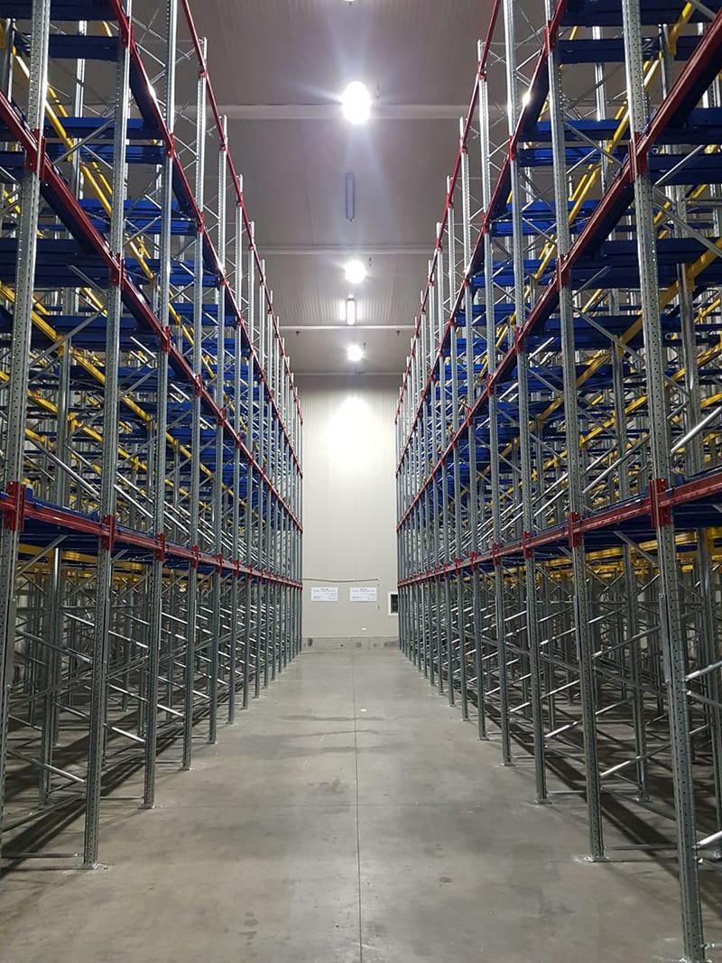 אחסון משטחים למפעלים