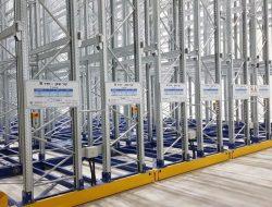 הקמת מדפים לאחסנה במפעל קור שאן